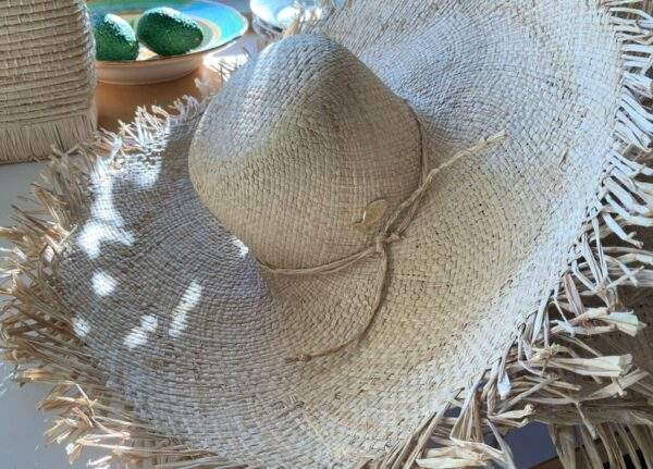 Large brim Raffia Hat with Fringe